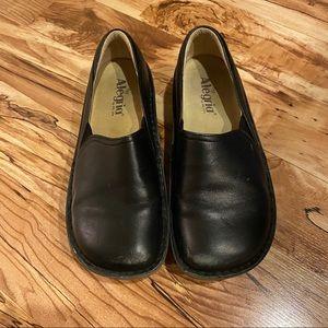Algeria Black Clogs Size 38/8